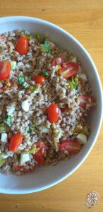 farro con pomodorini, mozzarella e fiori di zucca